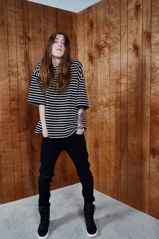 2016-dernières-TOP-hommes-de-noir-blanc-Rayé-t-shirt-hiphop-étendu-courbe-ourlet-coton-tee